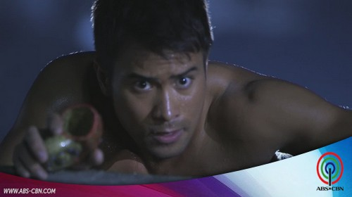 OMG! Sam Milby drops merman tail and goes nekkid in Dyesebel